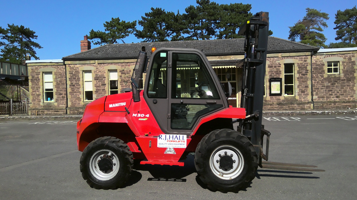 Manitou M30-4 4WD Forklift